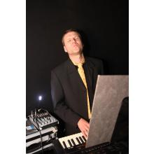 Keyboards Andreas The Rubix Partyband