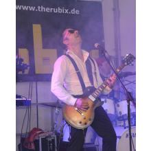The Rubix rocken das Partyzelt